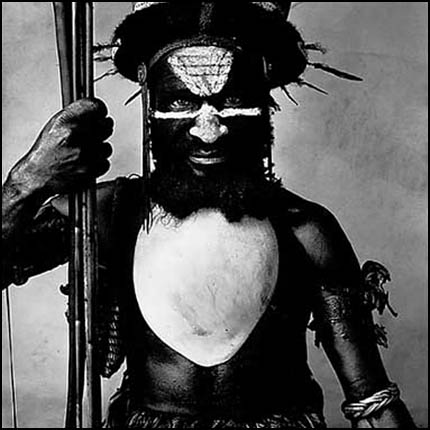 Ialibu warrior (c) Irving Penn