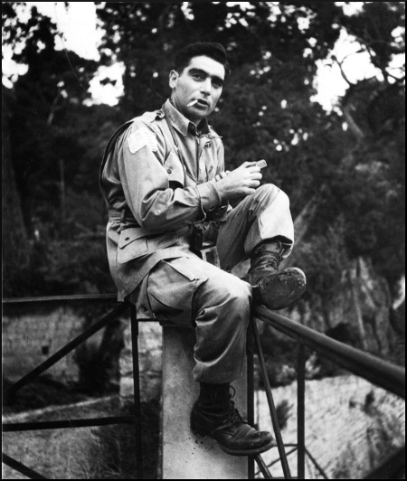 Journal 20131023 Capa & his sound - Robert Capa (c) George Rodger