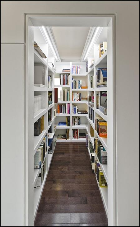 Bookshelf Porn blog - walk-in bookshelf